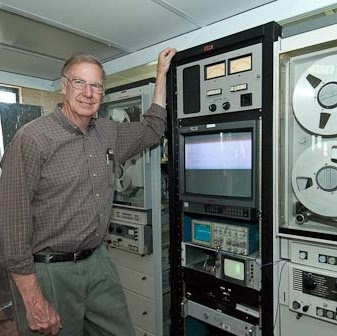 Ken Zin in front of one of two Ampex FR-900A transverse scan instrumentation recorders at the Lunar Orbiter Image Recovery Project, (LOIRP) at NASA Ames in Mountain View, CA ©2008 Ric Getter